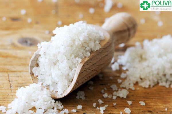 Thức ăn chứa nhiều muối là thủ phạm làm giảm ham muốn, gây bất lực.
