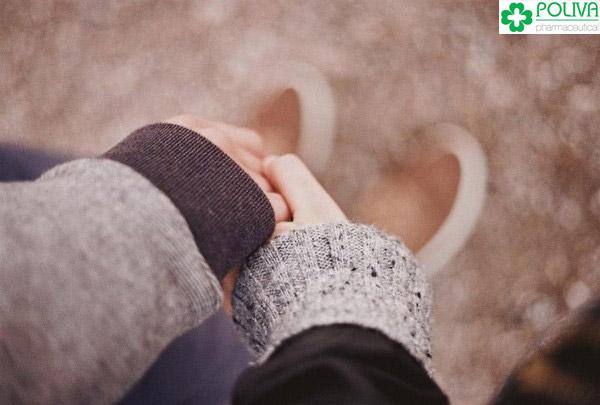 Đã là vợ chồng thì hãy nắm chặt tay nhau vượt qua khó khăn.