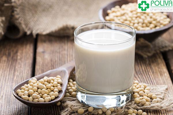 Sữa đậu nành tốt cho phụ nữ nhưng không tốt cho cánh mày râu.