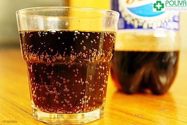 Nước ngọt có gas dùng nhiều không tốt cho sức khỏe.