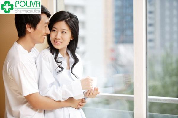 chia sẻ với chồng để tìm ra biện pháp khắc phục hiện tượng yêu chỉ thấy đau không thấy phê