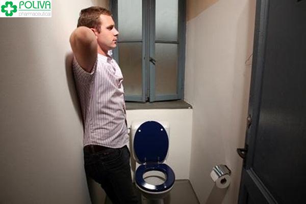Đàn ông tiểu đêm nhiều lần coi chừng mắc yếu sinh lý