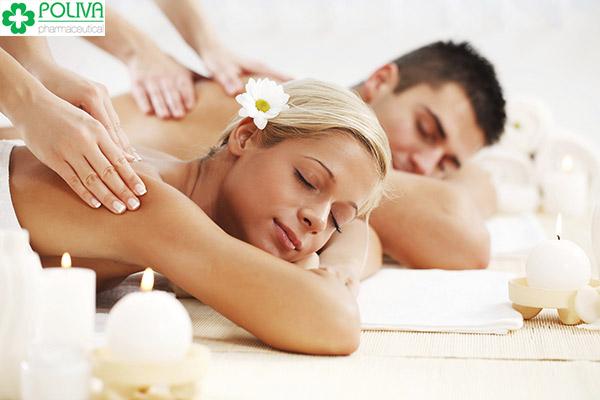Phụ nữ đi spa sẽ quen với việc để lộ thân thể cho người khác biết
