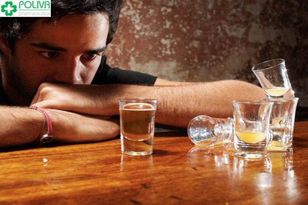 Chất cồn trong rượu khiến tinh binh yếu đi
