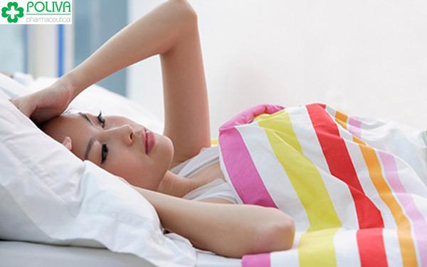 Quan hệ sau sinh thường đau, không hưng phấn.