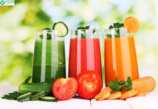 Nước ép hoa quả là nguồn thực phẩm bổ sung nhiều vitamin cơ thể cả mẹ và con