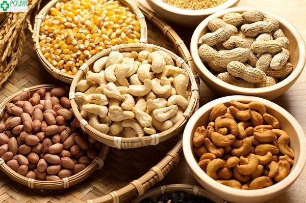 Bổ sung các loại hạt cung cấp chất xơ, sắt, vitamin... rất tốt cho cơ thể mẹ và con