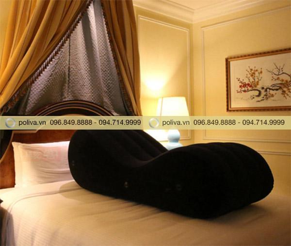 """Ghế tình yêu là """"Quân cờ vàng"""" tăng doanh thu khách sạn:"""
