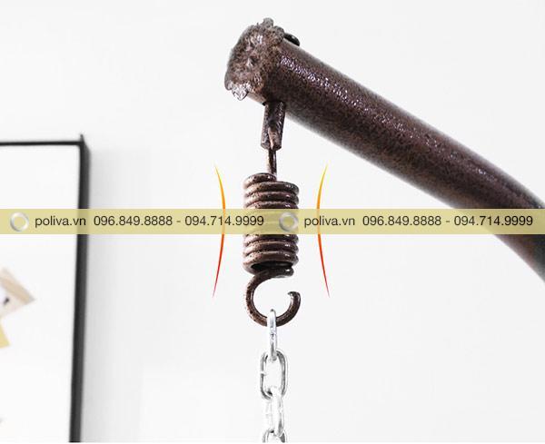 Điểm móc xích nối với lồng xích đu có thể điều chỉnh độ cao dễ dàng