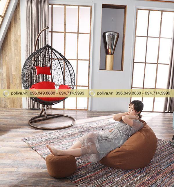 Xích đu trứng được tận dụng làm vật dụng trang trí phòng ấn tượng