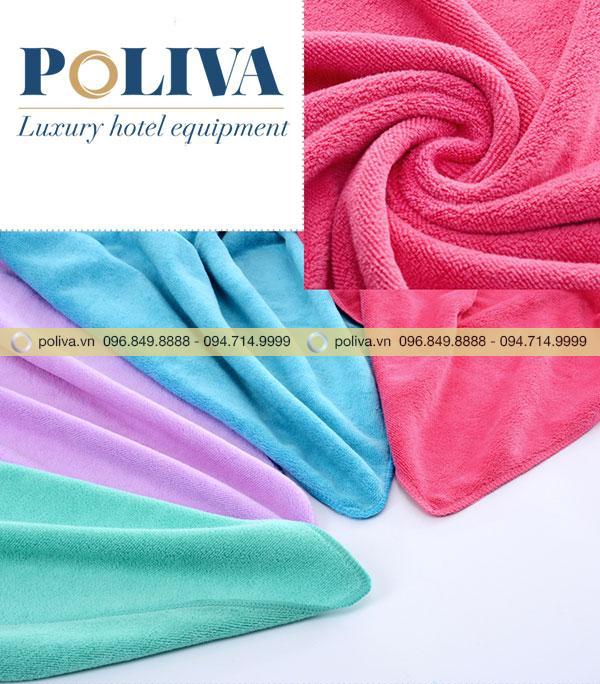 Chất liệu khăn bông thấm hút nước, giữ ấm tốt