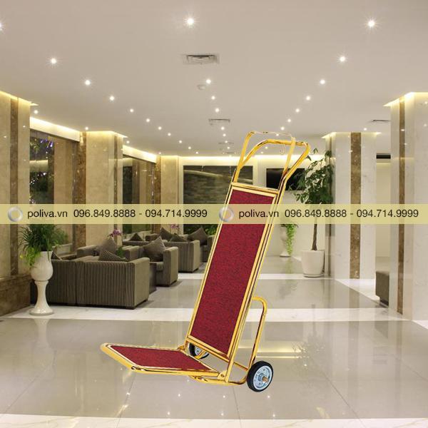 Xe đẩy hành lý luggage trolley được sử dụng phổ biến trong khách sạn