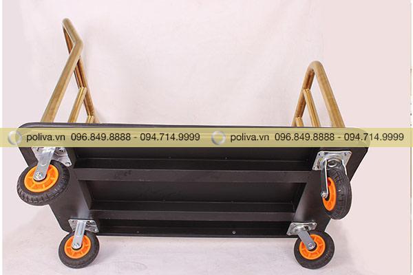 4 bánh xe dễ dàng di chuyển, xoay 360 độ dễ dàng