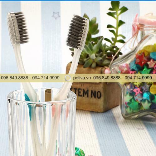 Bàn chải đánh răng than hoạt tính