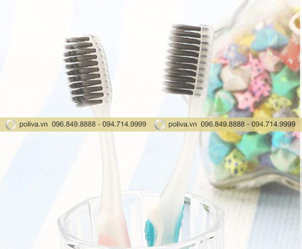 Bàn chải đánh răng lông mềm và giúp chải sạch sâu
