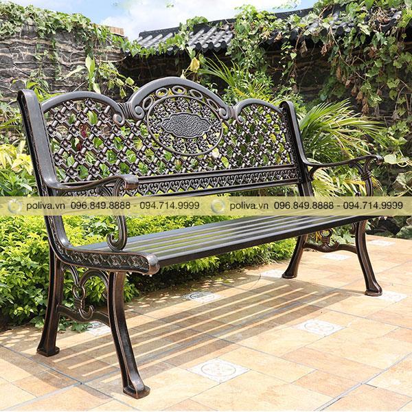 Mẫu ghế sân vườn sắt đẹp được nhiều người yêu thích