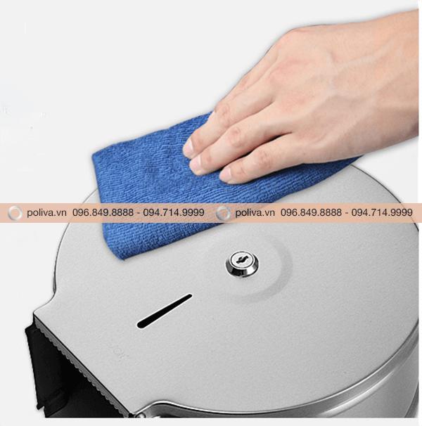 Bề mặt inox sáng bóng, dễ dàng vệ sinh lau chùi, không bám vân tay