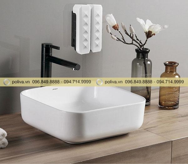 Bình đựng nước rửa tay là thiết bị tiện ích nên trang bị