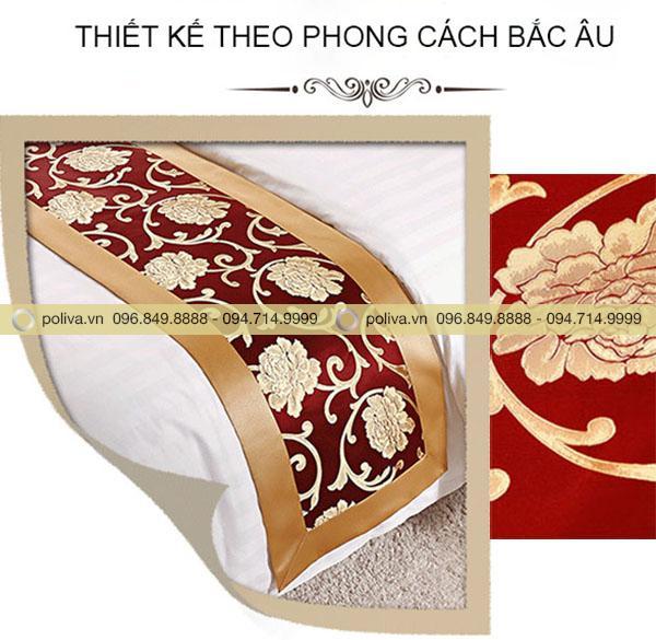 Thiết kế theo phong cách Bắc Âu với màu đỏ chủ đạo kết hợp màu vàng kim hoàng gia