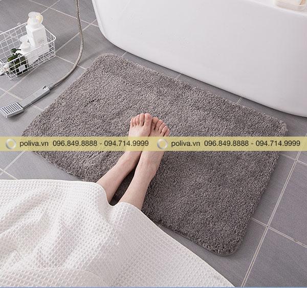 Sở hữu tấm thảm nhà vệ sinh siêu thấm hút do Poliva phân phối