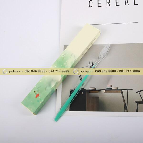 Bàn chải đánh răng khách sạn còn có bao bì hộp giấy sang trọng