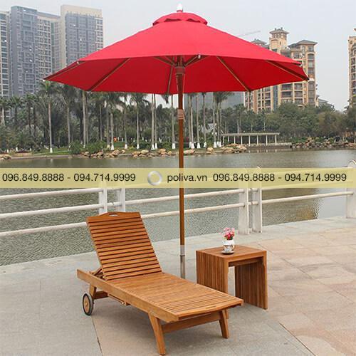 Bàn ghế hồ bơi gỗ