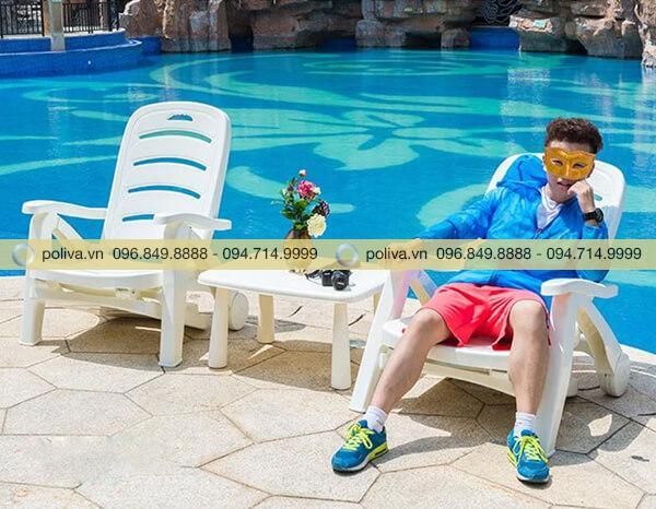 Ghế nằm tắm nắng bãi biển