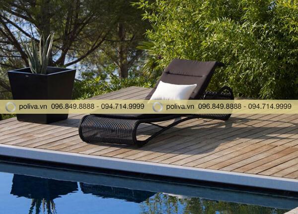 Ghế tắm nắng hồ bơi