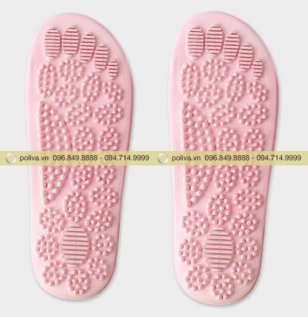 Cấu tạo dép massage chân dùng trong khách sạn, với nhiều điểm massage trùng với các huyệt, các khớp ngón chân