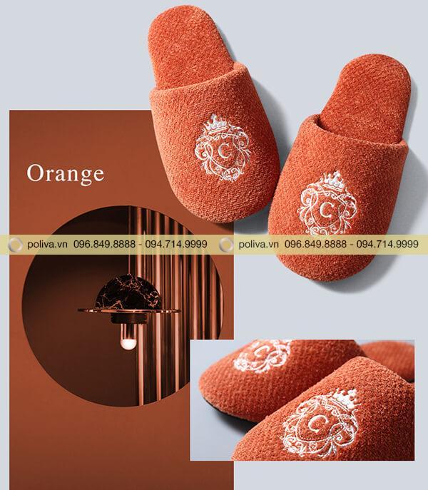 Màu cam nổi bật cho du khách thêm cá tính