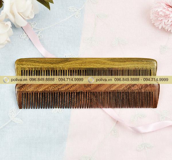 Sử dụng lược gỗ không bị tích điện và dễ dàng chải tóc vào mùa đông hơn