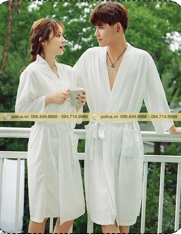 Áo choàng tắm khách sạn cao cấp có màu trắng thanh thoát