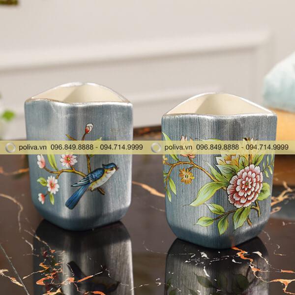 Những chiếc cốc in hoa văn sang trọng, tinh tế