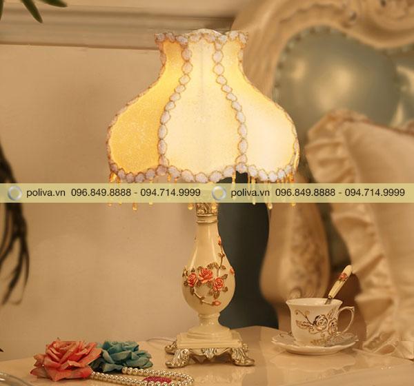 Chụp đèn có nhiều mẫu hoa văn cho khách lựa chọn