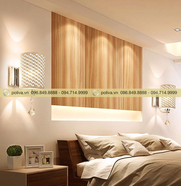 Ánh sáng của đèn ngủ lan tỏa đều khắp căn phòng
