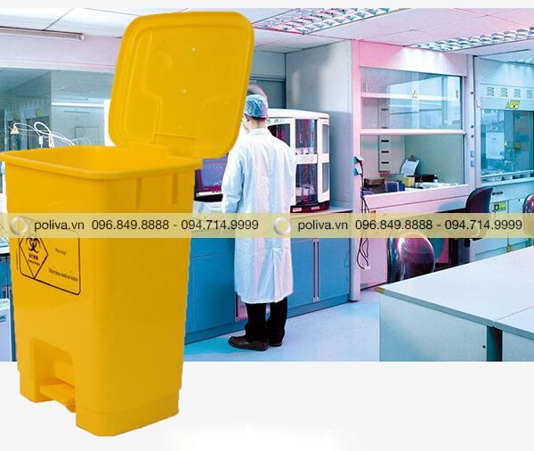 Sản phẩm chuyên dùng để thu gom rác trong các phòng khám, phòng thí nghiệm...