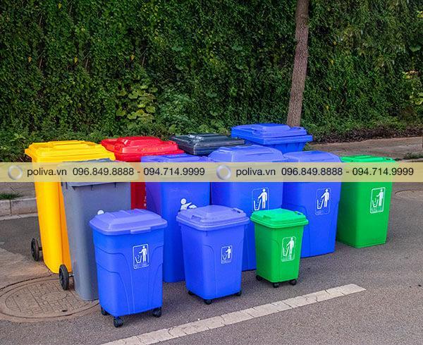 Hình ảnh thực tế của thùng đựng rác ngoài trời
