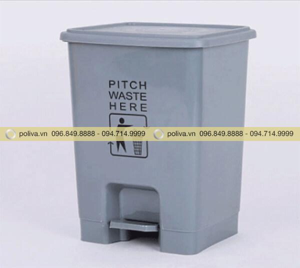 Bên cạnh thùng rác y tế màu vàng còn có màu ghi xám cao cấp