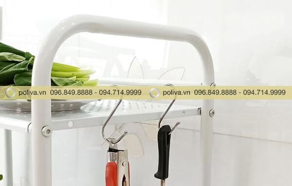Gờ ngăn có thể dùng để treo các dụng cụ như vá, môi, muỗng