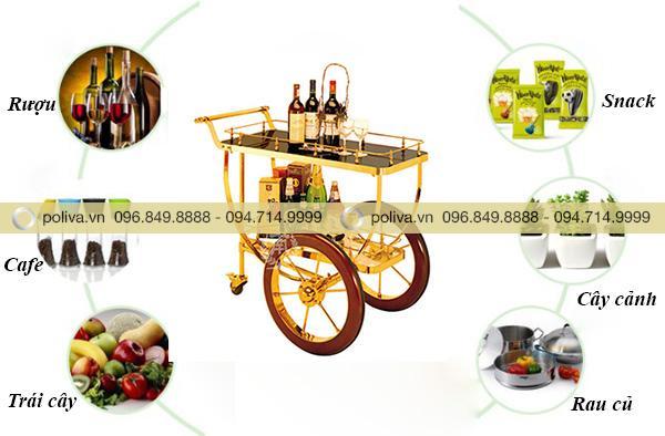 Xe đẩy phục vụ rượu và nhiều vật dụng khác rất tiện lợi