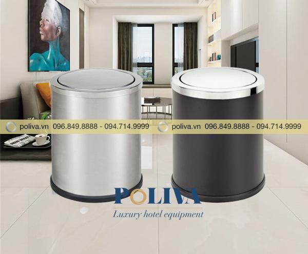 Thùng rác nắp lật nhỏ có hai loại: Inox sáng bóng và thép phun sơn đen nắp inox