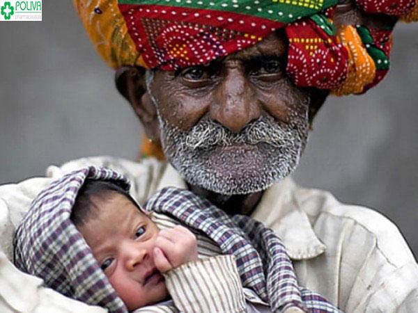 Người lên chức cha nhiều tuổi nhất thế giới