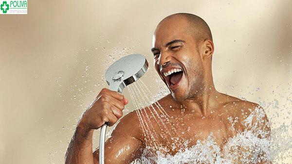 Tắm vừa đem lại cảm giác thoải mái vừa trị xuất tinh sớm cho cánh mày râu