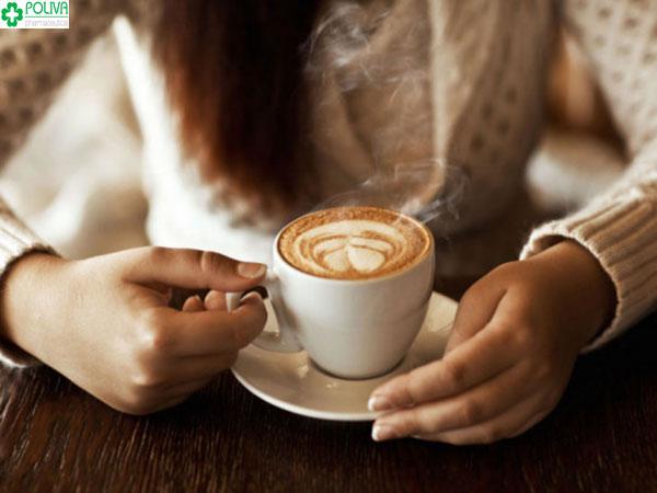 Hẹn hò là phải cà phê. Tuy nhiên hãy cân nhắc lượng cà phê bạn sử dụng vì chúng không tốt cho sức khỏe.