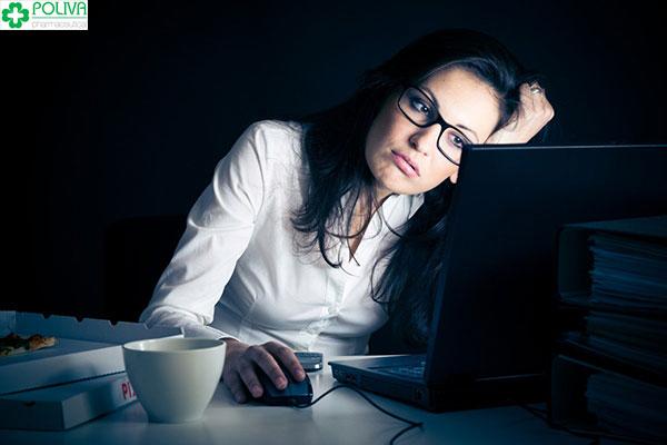 Phụ nữ thức đêm nhiều rất hay bị sảy thai trong 3 tháng đầu của thai kỳ, hoặc vô sinh.