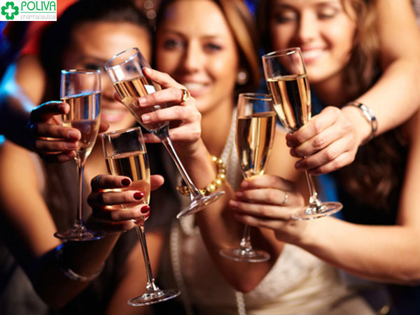 Uống quá nhiều rượu bia sẽ cướp quyền làm mẹ của phái nữ