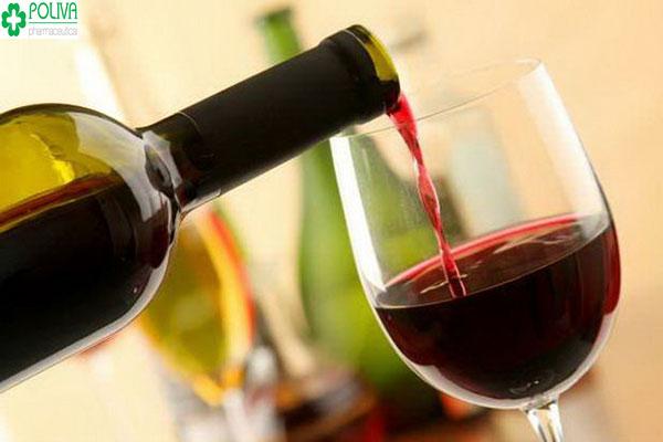 Uống một chút rượu vang có thể khơi gợi sự ham muốn và cảm giác gần gũi.