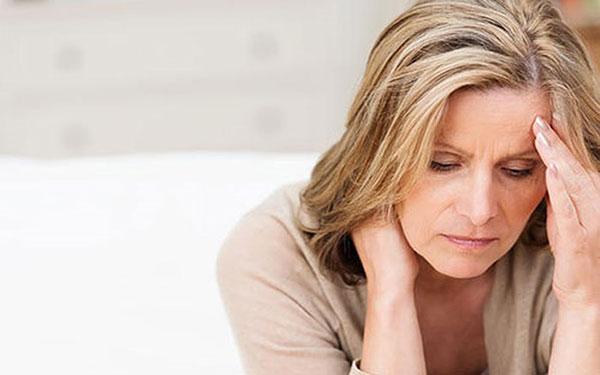 Ở tuổi mãn kinh phụ nữ dễ bị bệnh phụ khoa làm phiền