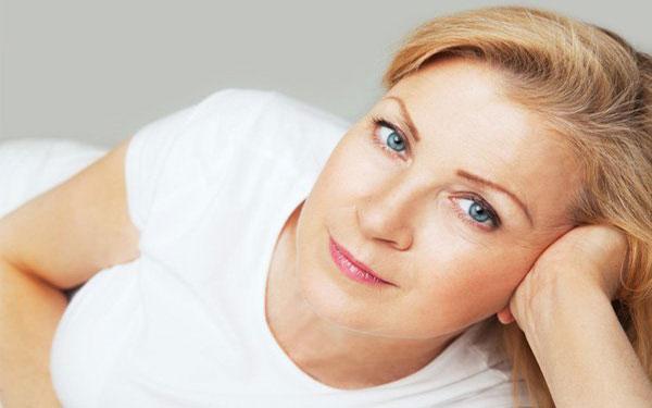 Phụ nữ khi mãn kinh đối mặt với đủ thứ bệnh