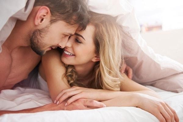 Chuyện yêu chiếm bao nhiêu thời gian trong cuộc đời của con người?